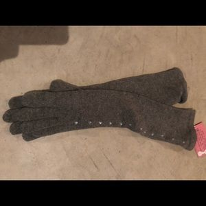 Accessories - ‼️SOLD ‼️ol elbow length gloves